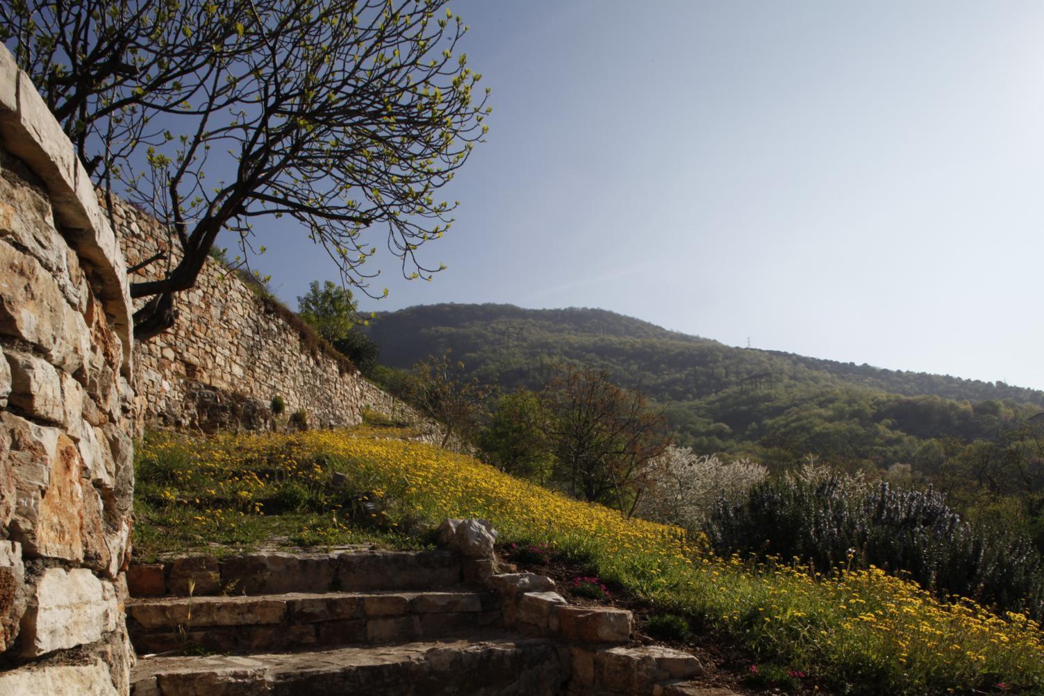 Villa in collina 2013 flavio angeli architetto brescia for Architetto brescia