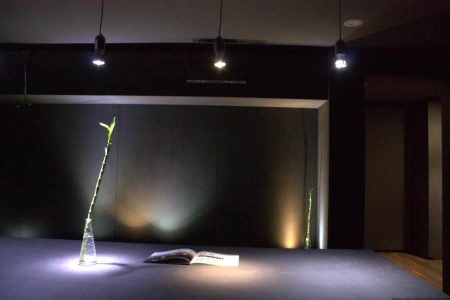 Allestimenti showroom flavio angeli architetto brescia for Architetto brescia